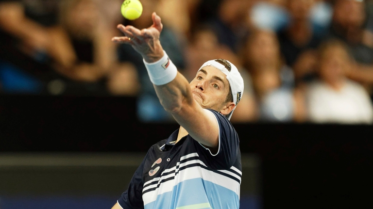 Isner outlasts Sandgren at ASB Classic; top seed ousted